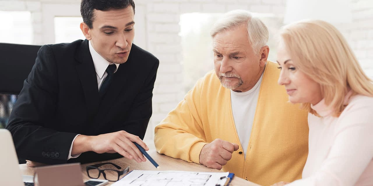 What is a Financial Advisor? The Ultimate Guide